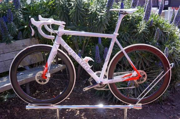 2013-Colnago-C59-disc-brake-road-bike021