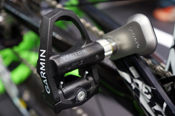 2014-Garmin-Vector-power-pedals02