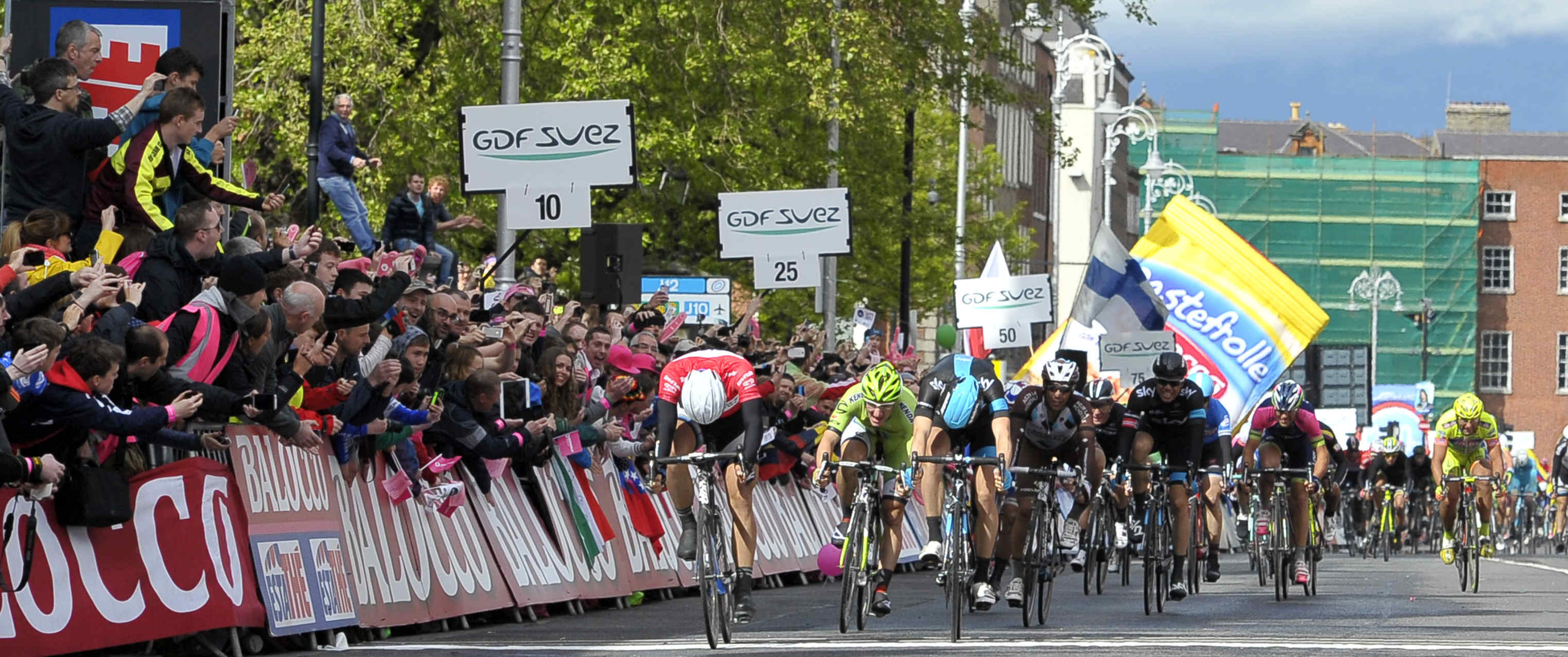 Giro 2014: Kittel fa il bis. Matthews sempre in Rosa