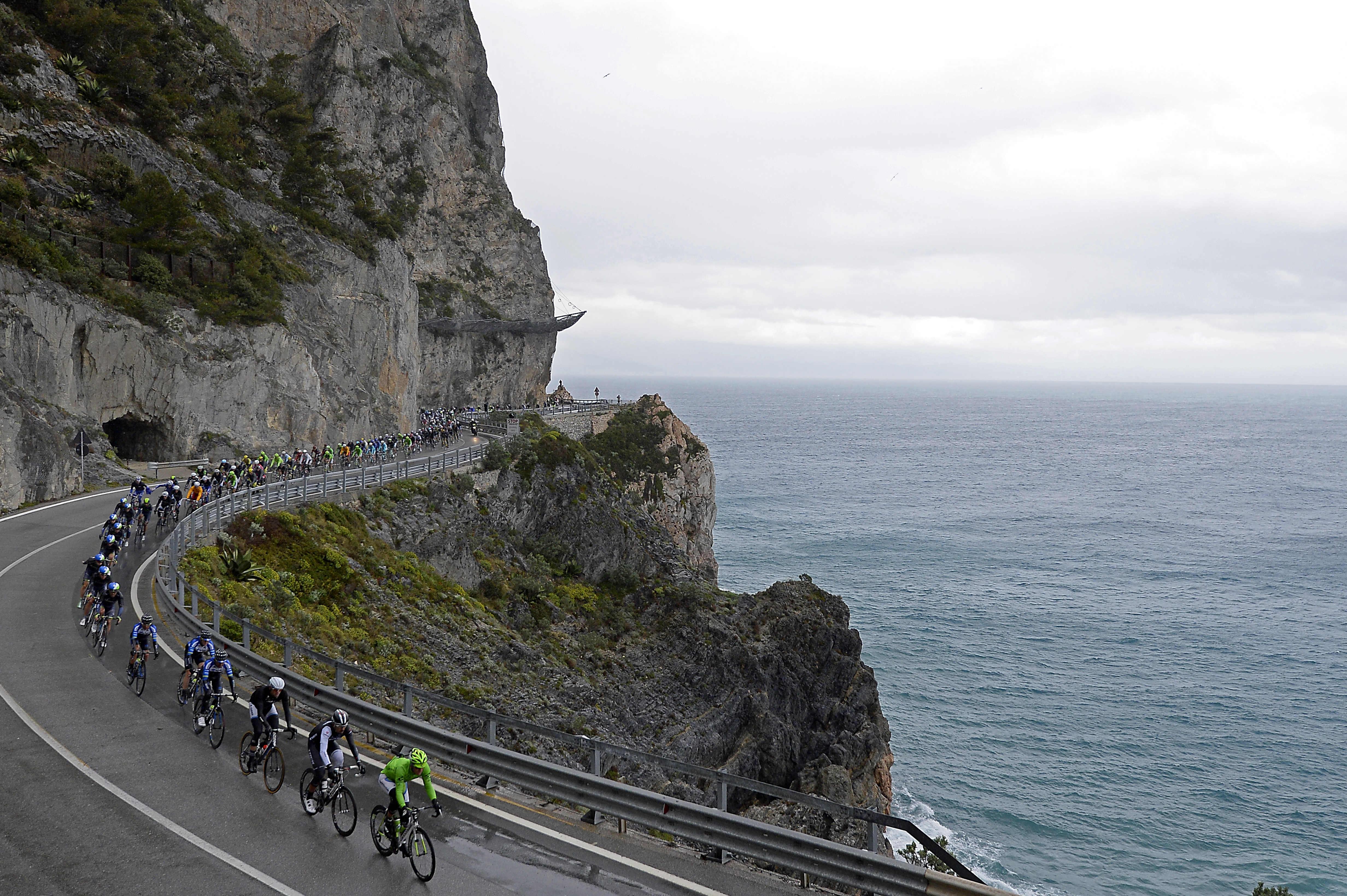 Annullate Tirreno-Adriatico, Milano-Sanremo e Il Giro di Sicilia