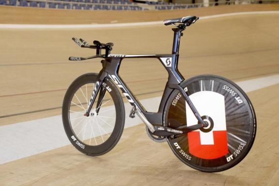 Hour-Record_Matthias-Brändle_Bike_2014_15