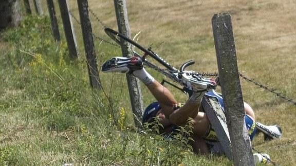 Johnny-Hoogerland-crash-Tour-de-France