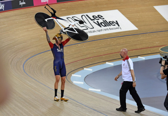 Sir Bradley Wiggins, UCI Hour Record 2015