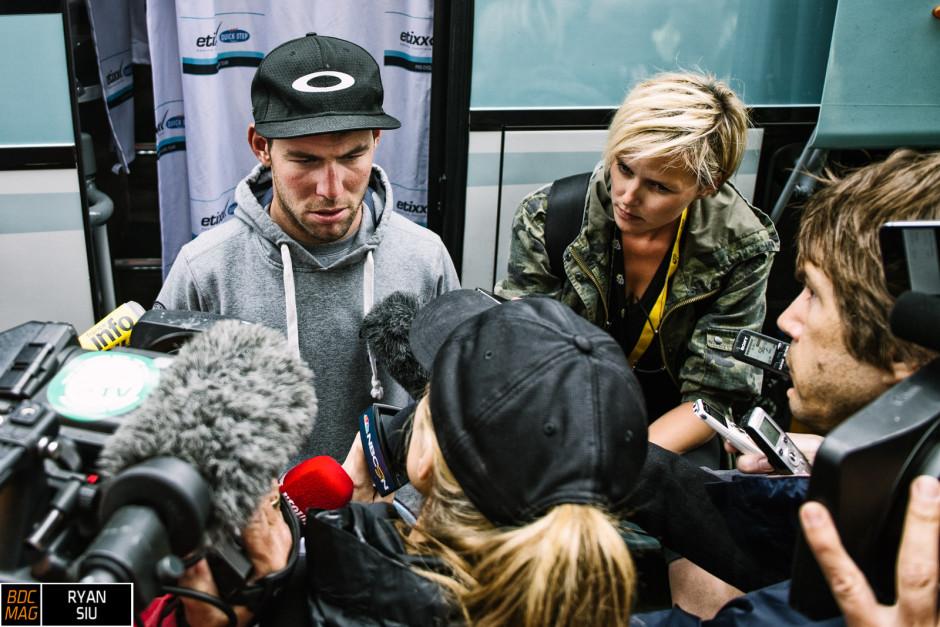 """NBC chiede a Cavendish perché non abbia vinto la volta. Il """"vaffa"""" è nell'aria, ma l'atleta riesce a rimanere composto."""