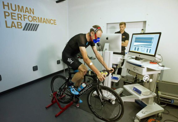 froome-bike-test-lr_utdel7k
