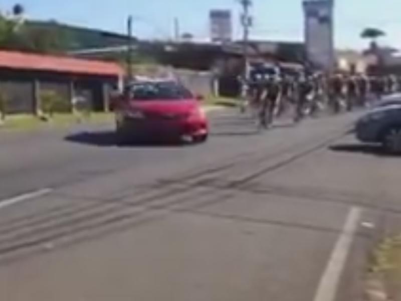 [Video] Tassista investe il gruppo in Costa Rica