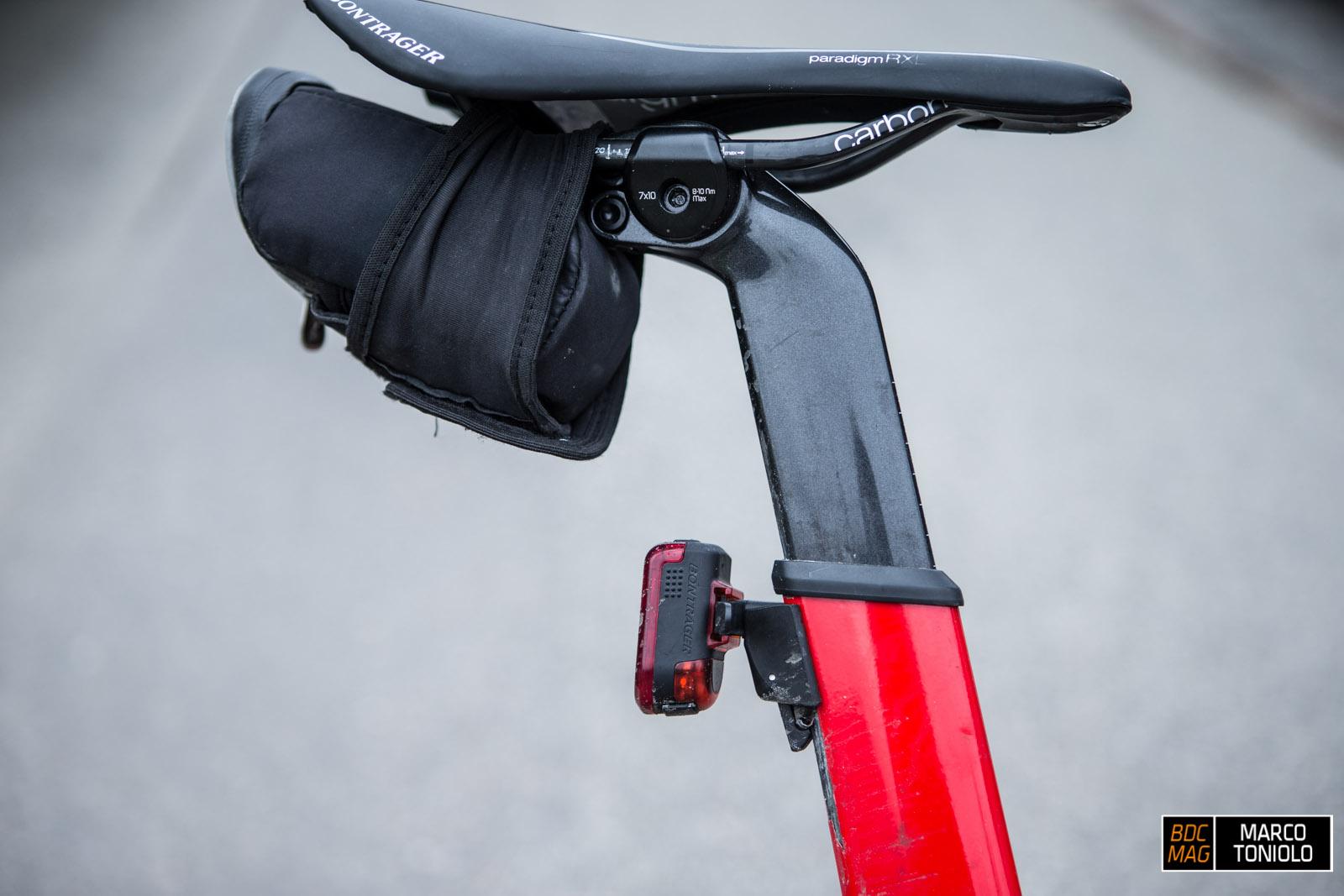 Luci bici da corsa mai più senza la luce da bici è l
