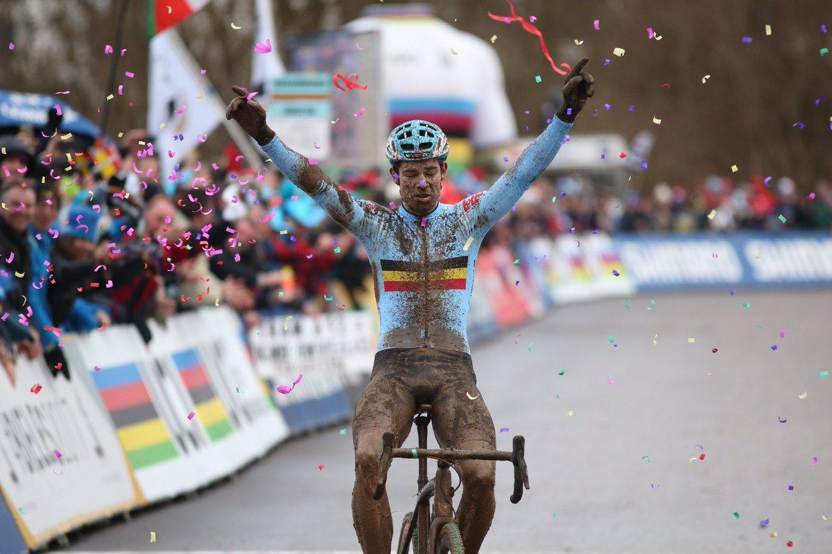 Wout Van Aert campione del mondo 2017