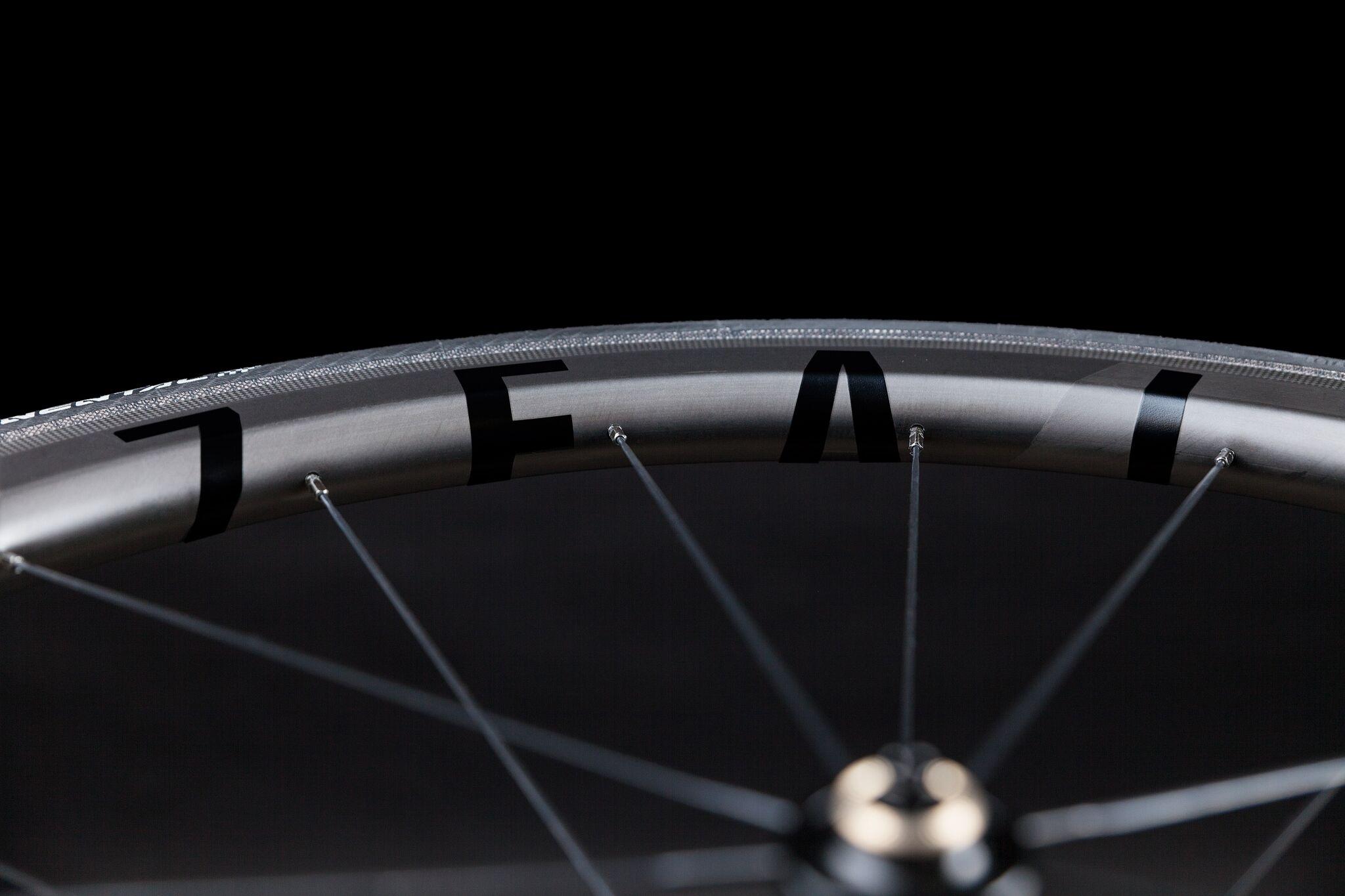 Zeal Cycling: un nuovo marchio lancia le sue ruote in carbonio