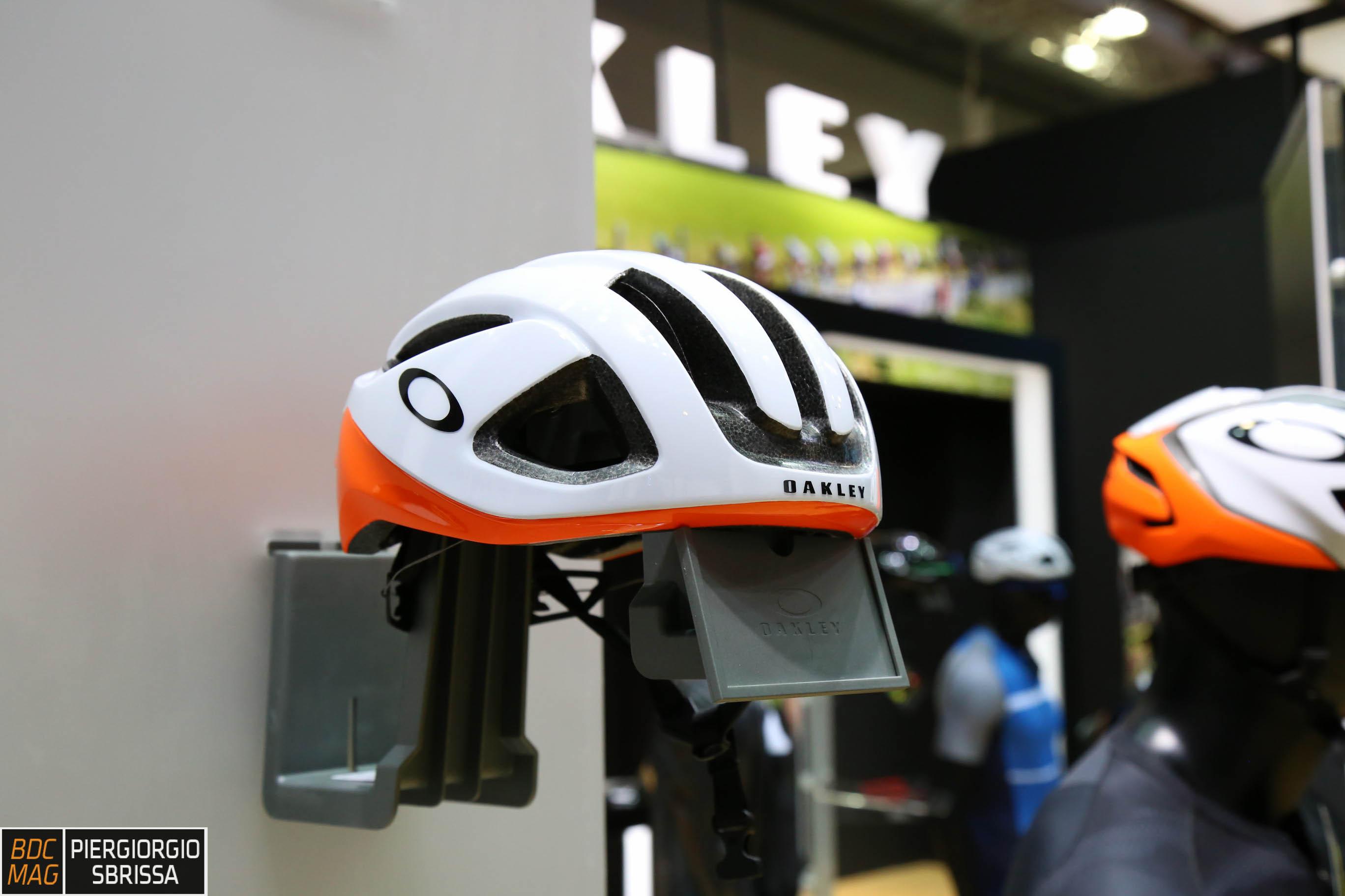 casco oakley bici prezzo