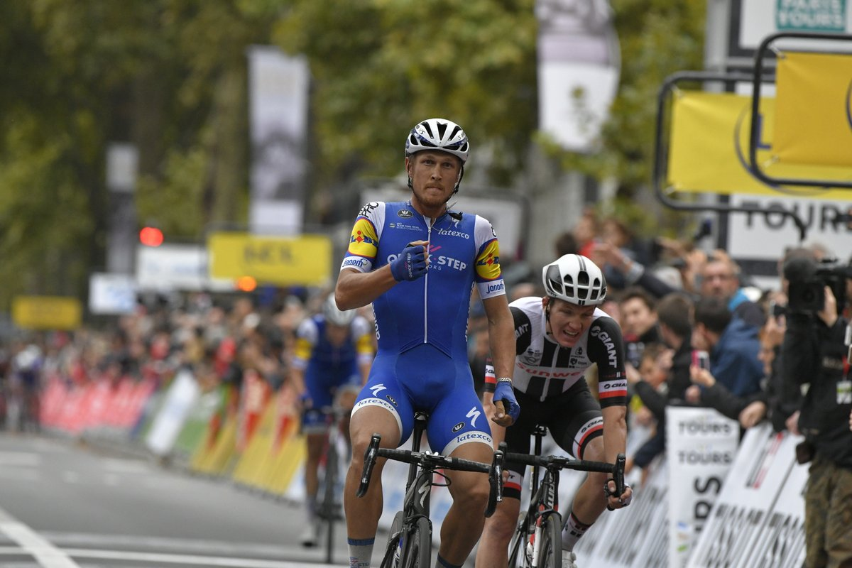 Matteo Trentin ha vinto la sua seconda Paris-Tours