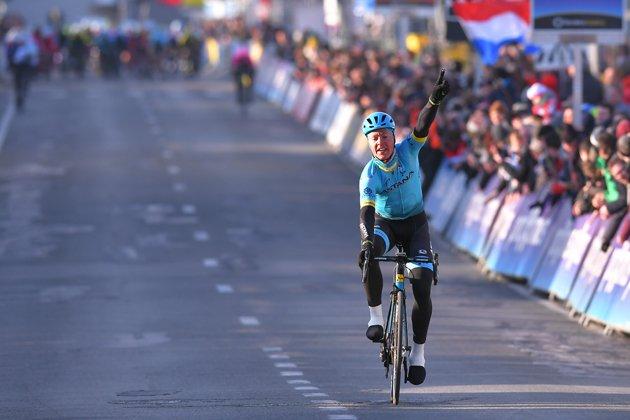 Michael Valgren vince il circuito Het Nieuwsblad 2018