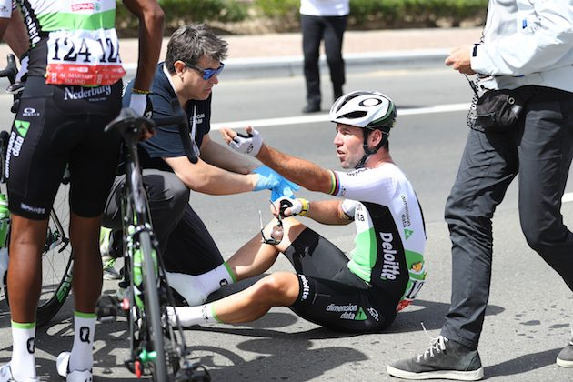 Cavendish ritirato in seguito ad un incidente al Abu Dhabi Tour