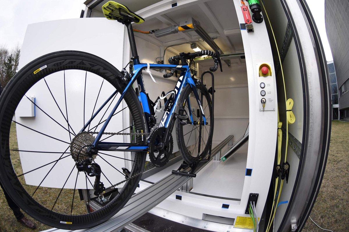 L'UCI ha istituito l'unità controlli raggi X