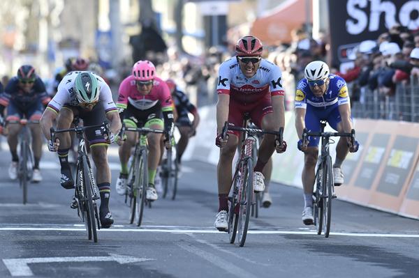 Kittel vince la Tappa 6 della Tirreno-Adriatico,Kwiatkowskiconserva la Maglia Azzurra