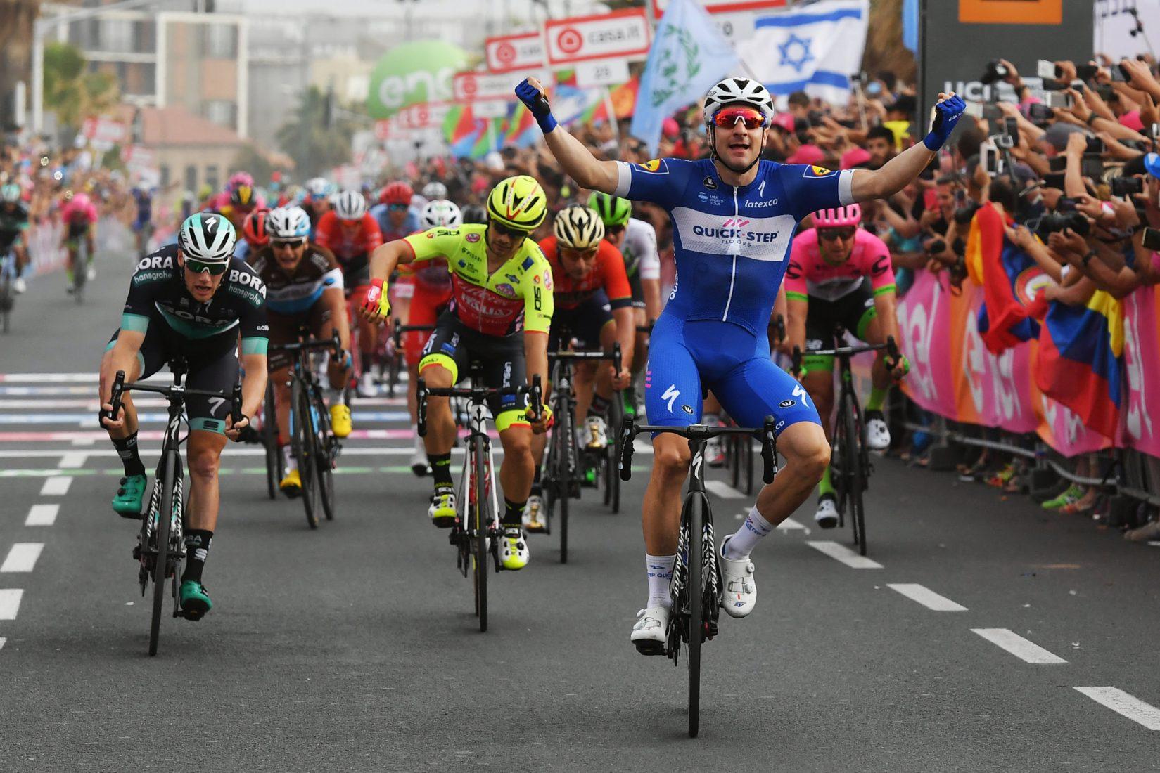 Giro 101:  2^ tappa allo sprint per Elia Viviani. Dennis in rosa
