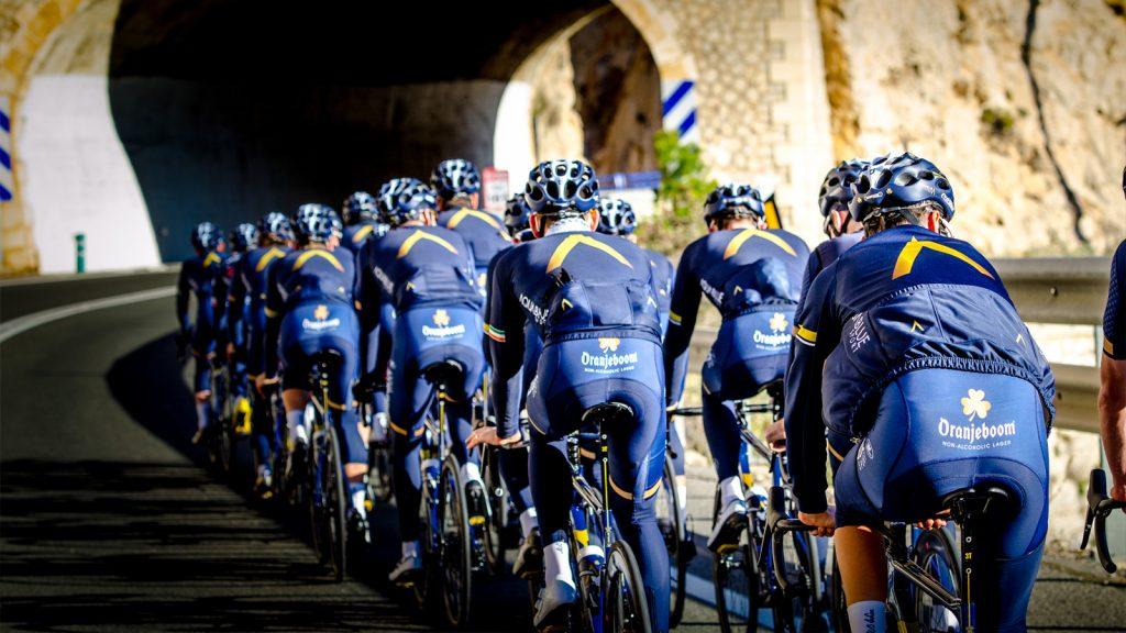 La squadra Aqua Blue Sport chiude