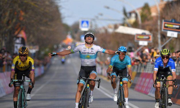 Tirreno-Adriatico: Alexey Lutsenko vince la 4^ tappa. Adam Yates ancora in azzurro