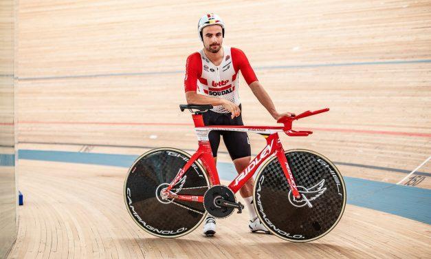 The Flying Moustache. La bici del record di Campenaerts