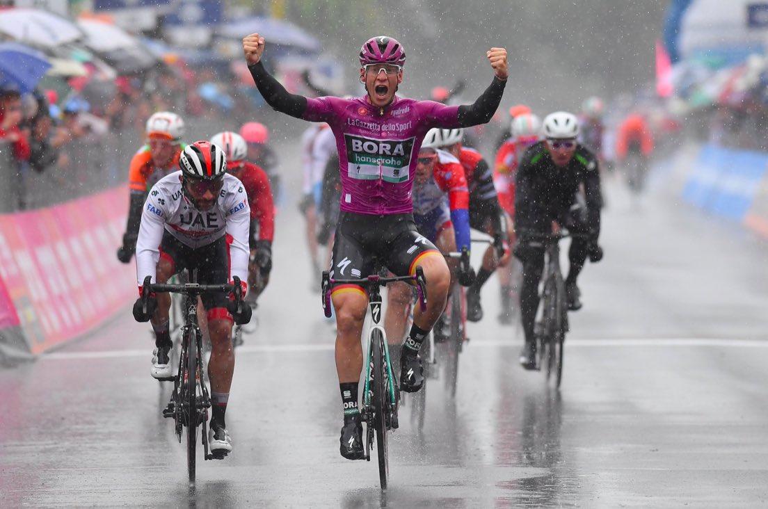 Giro 2019: Bis di Ackermann sotto la pioggia