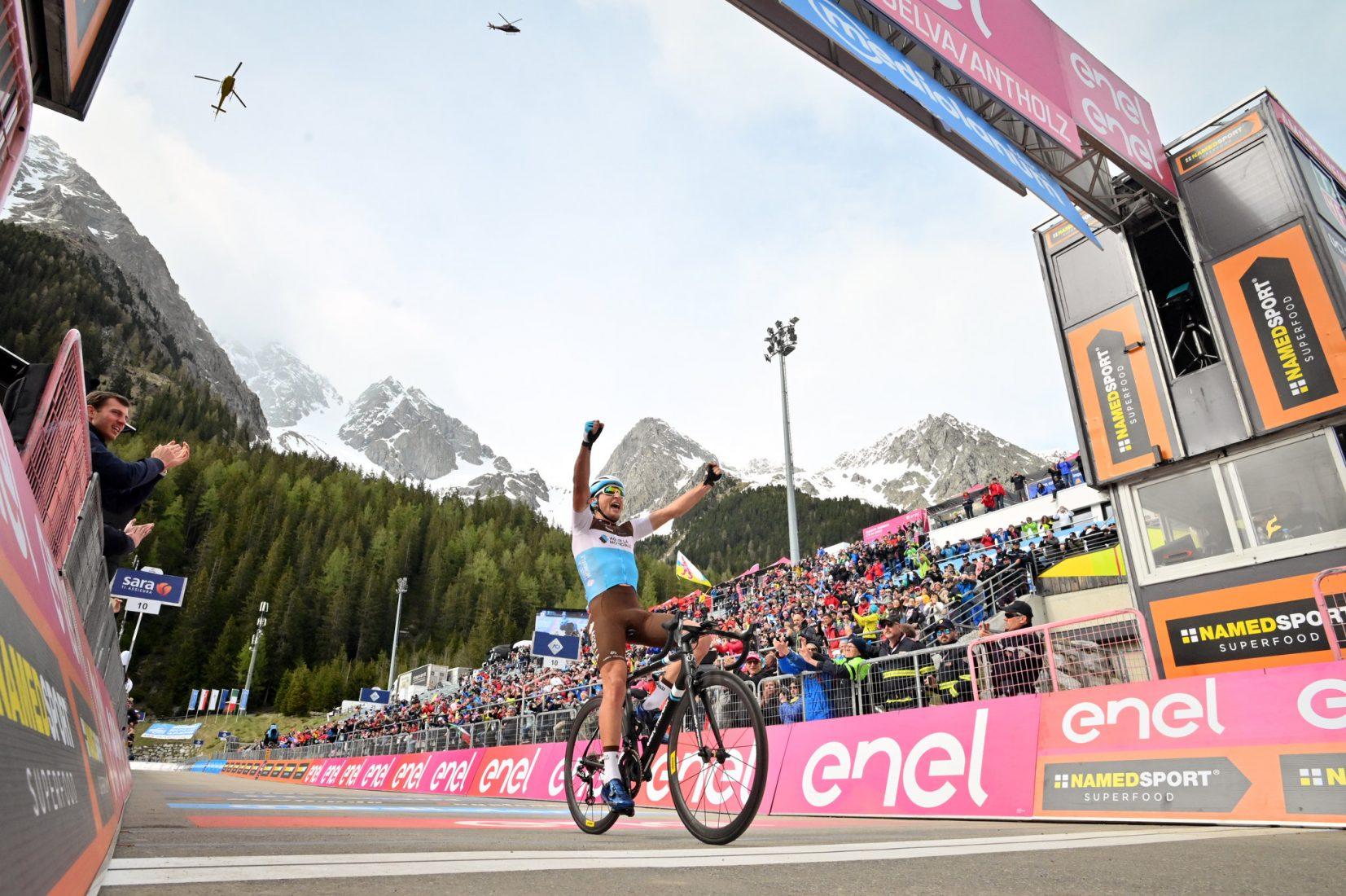 Giro 2019: la prima di Peters. Carapaz guadagna su Nibali e Roglic
