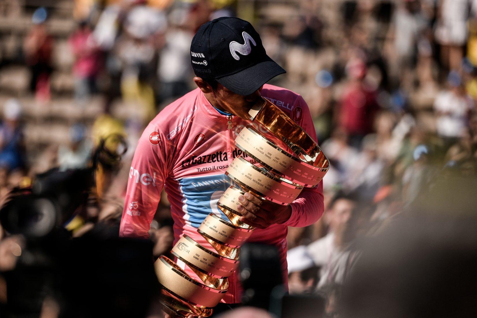 Carapaz vince il Giro e fa impazzire l'Ecuador