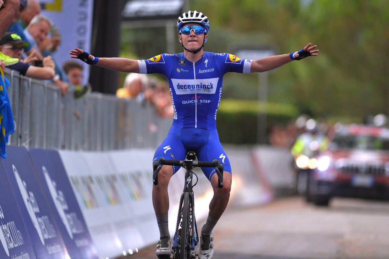 Remco Evenepoel vince la Clasica S. Sebastian a soli 19 anni