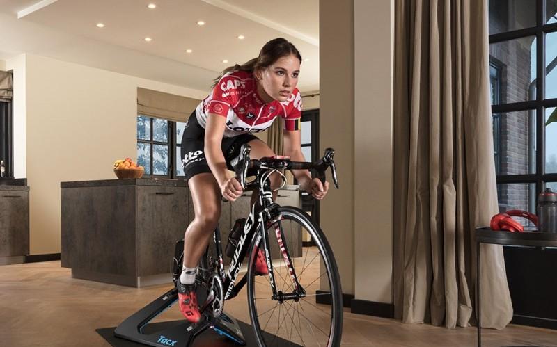 Allenarsi in bici senza uscire di casa