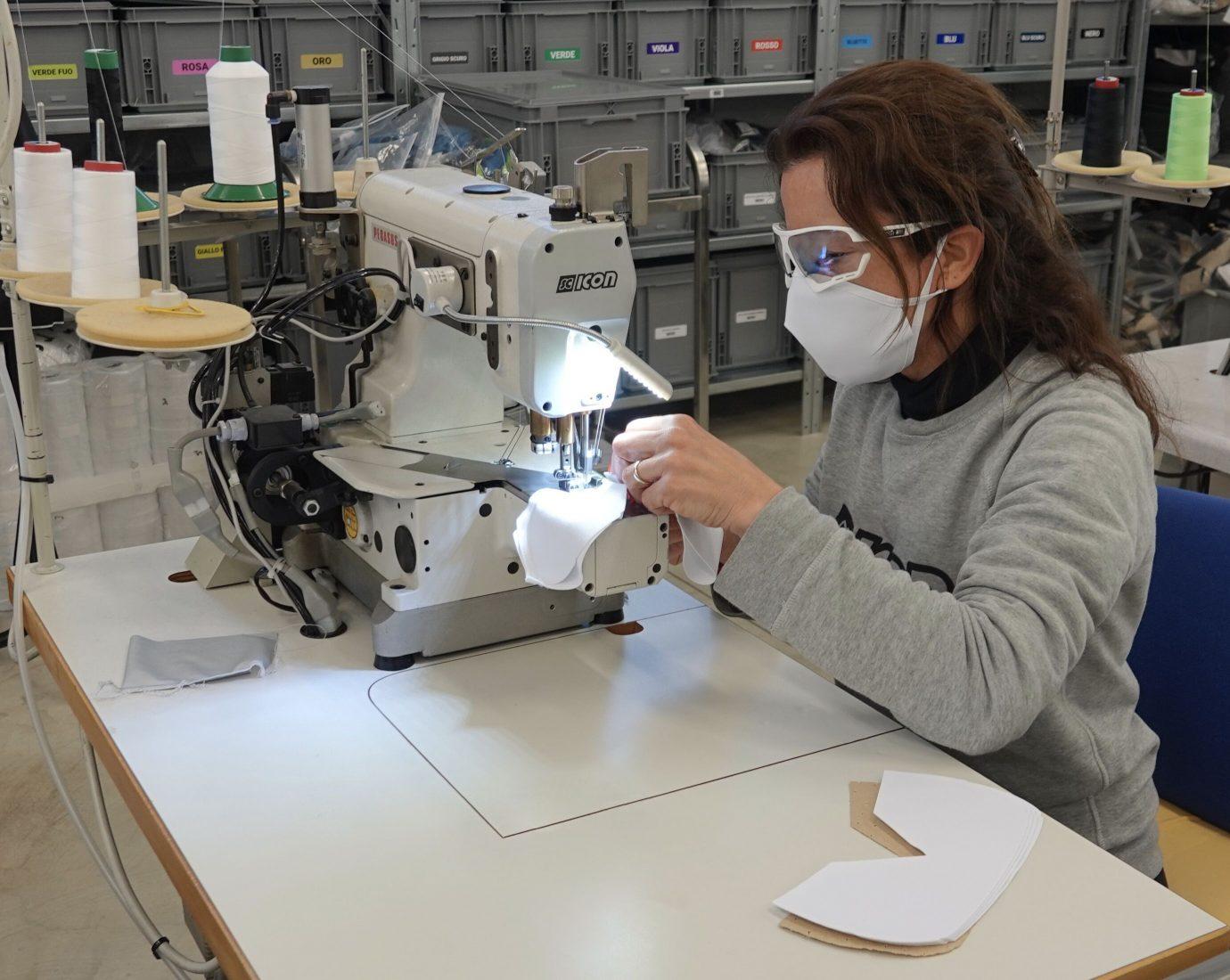 SCICON converte la produzione per aiutare contro la pandemia