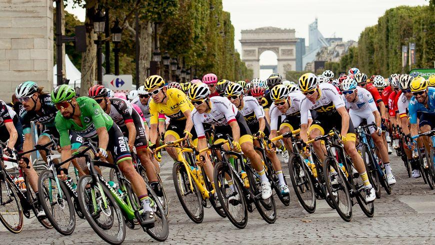 Il Tour non si correrà a porte chiuse. Niente corse sino al 1° giugno