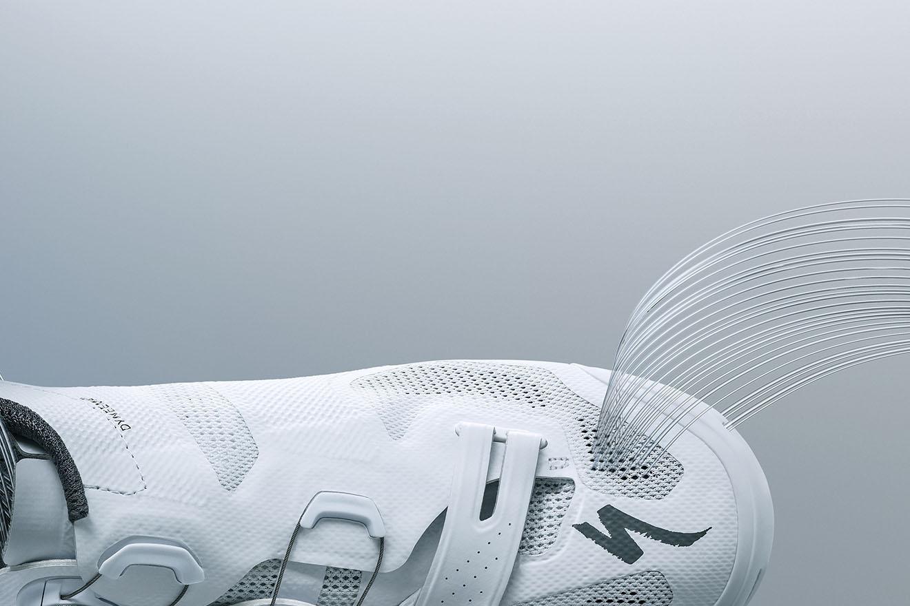 Le nuove scarpe Specialized S'Works 7 Vent Road e sella Mirror