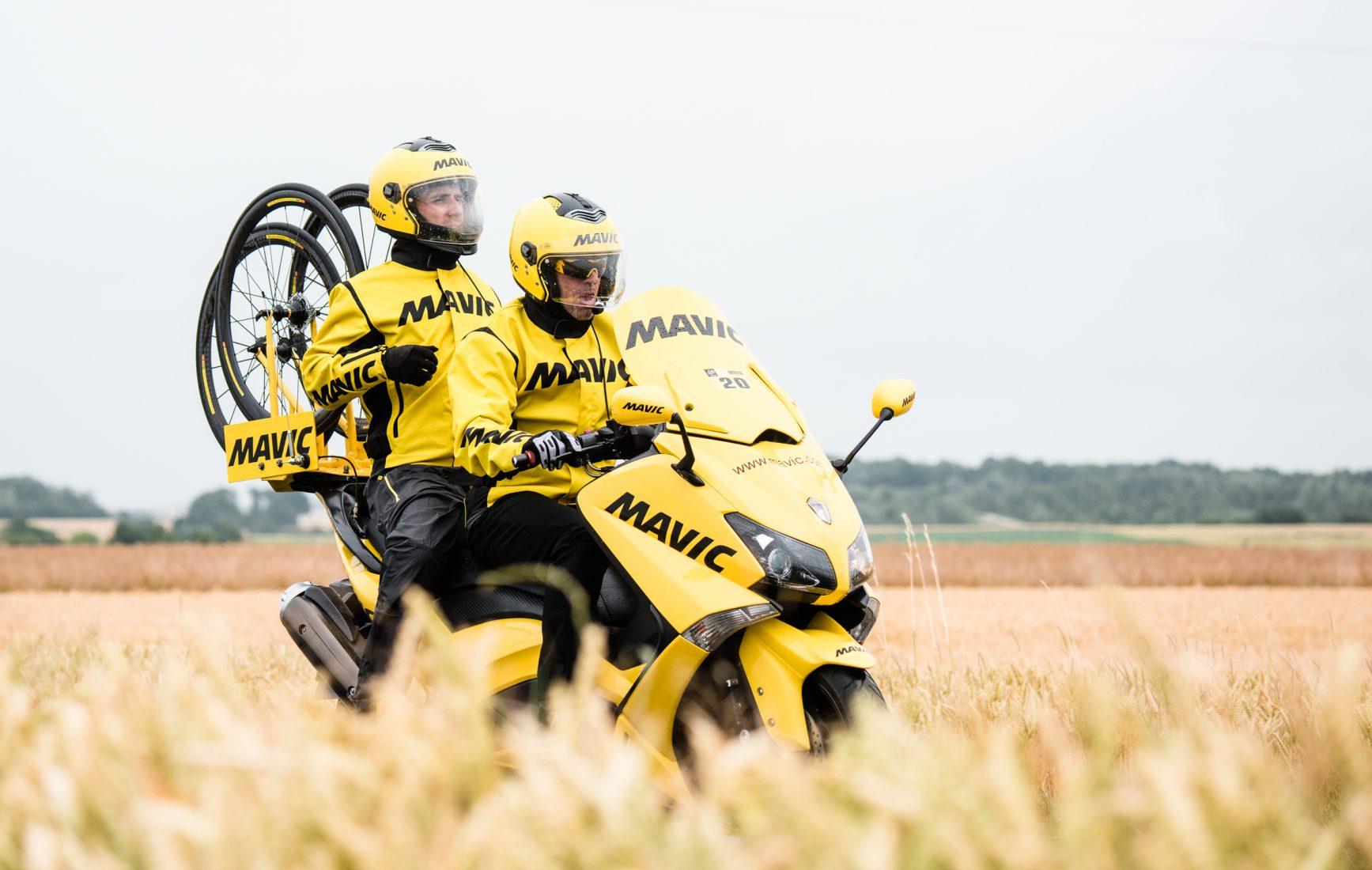 Bernard Hinault in soccorso di Mavic