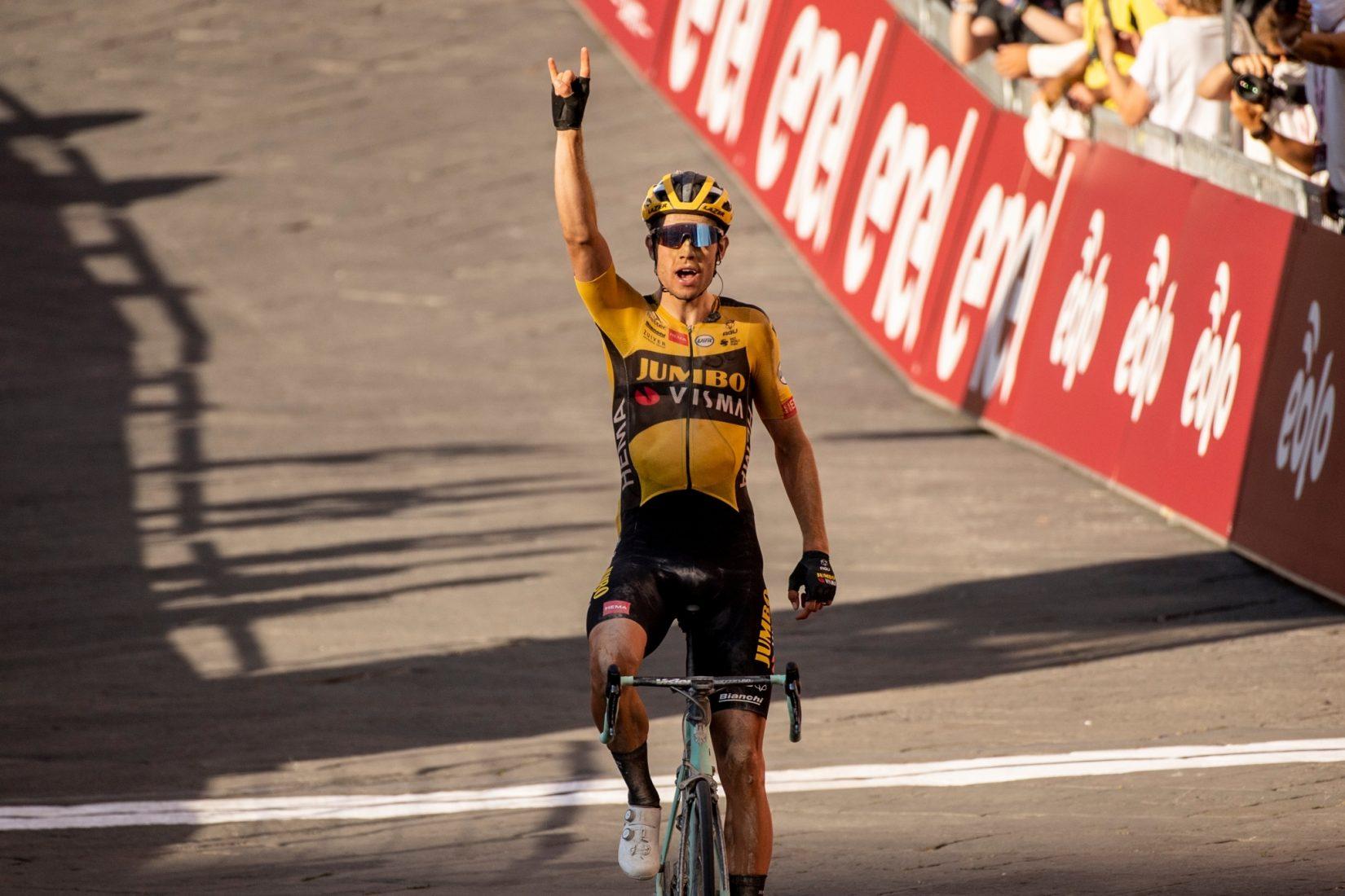 Ripartito il WorldTour, rinato Van Aert