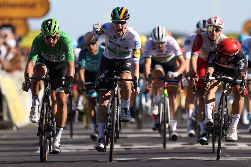 Tour 2020: Sam Bennett vince la tappa ed entra nella storia