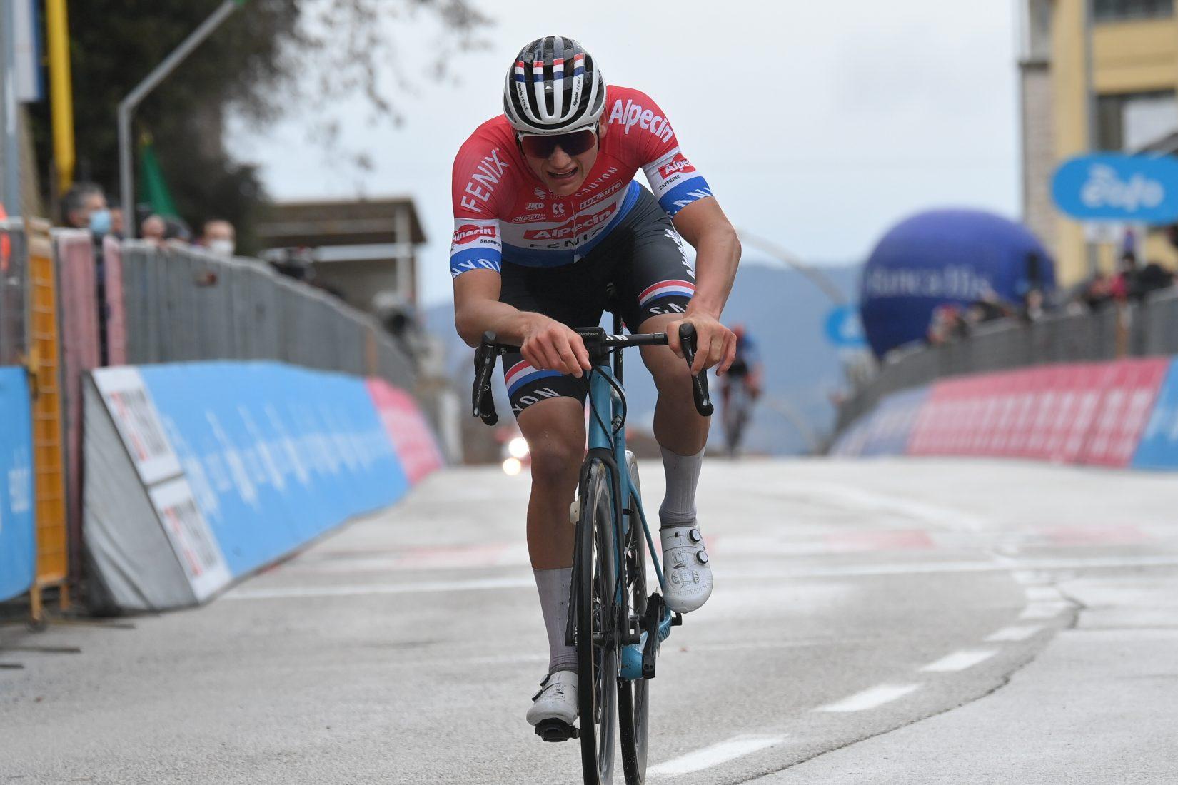 Mathieu van der Poel ha vinto la quinta tappa della Tirreno-Adriatico