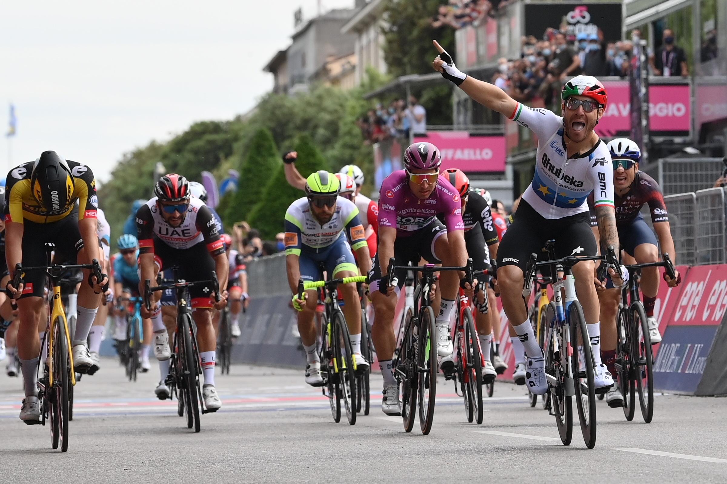 Giro 2021: Giacomo Nizzolo vince la 13^ tappa. Egan Bernal ancora in Maglia Rosa