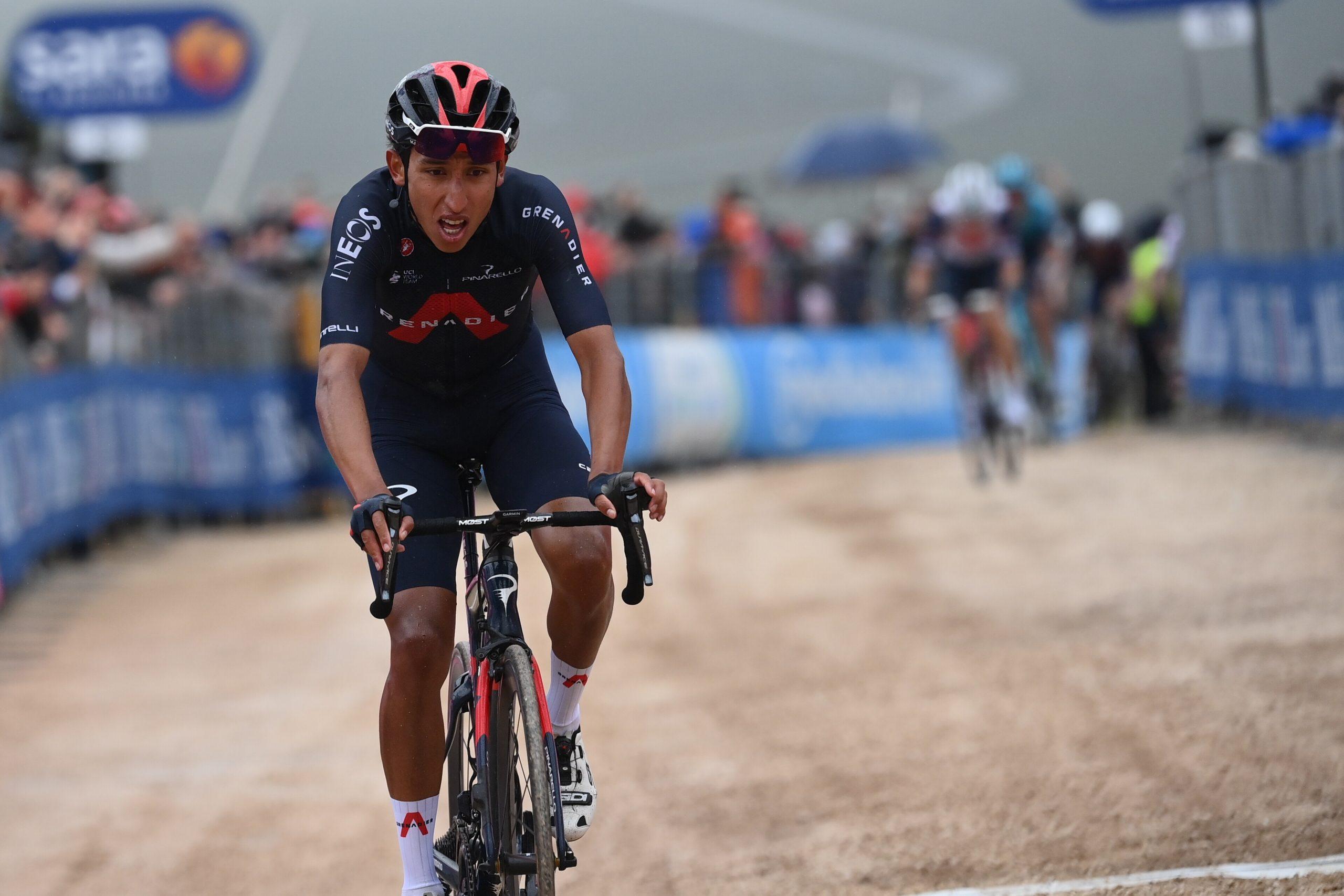 Giro 2021: Egan Bernal vince la 9^ tappa ed è la nuova Maglia Rosa