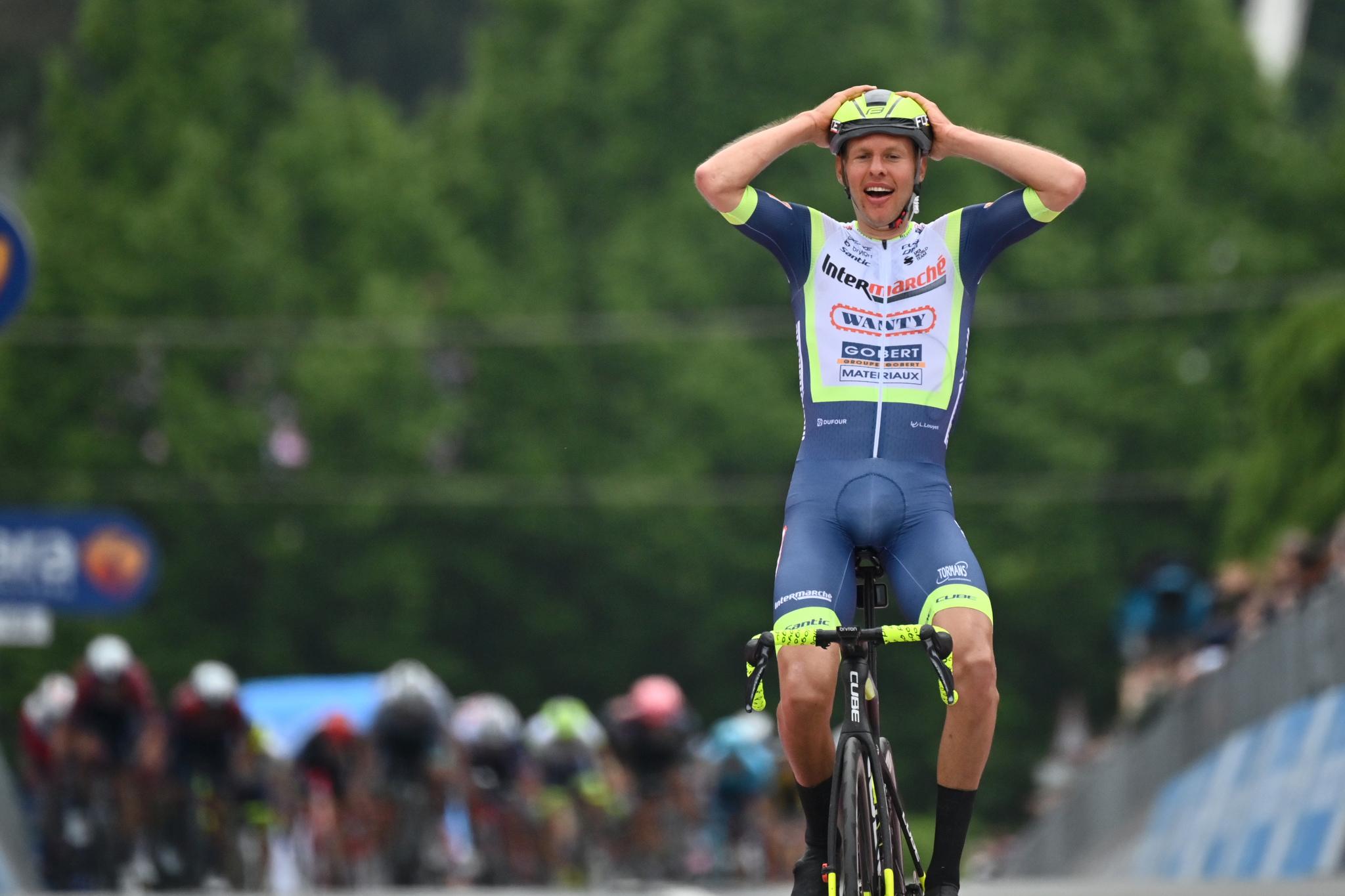 Giro 2021: Taco Van Der Hoorn vince la terza tappa