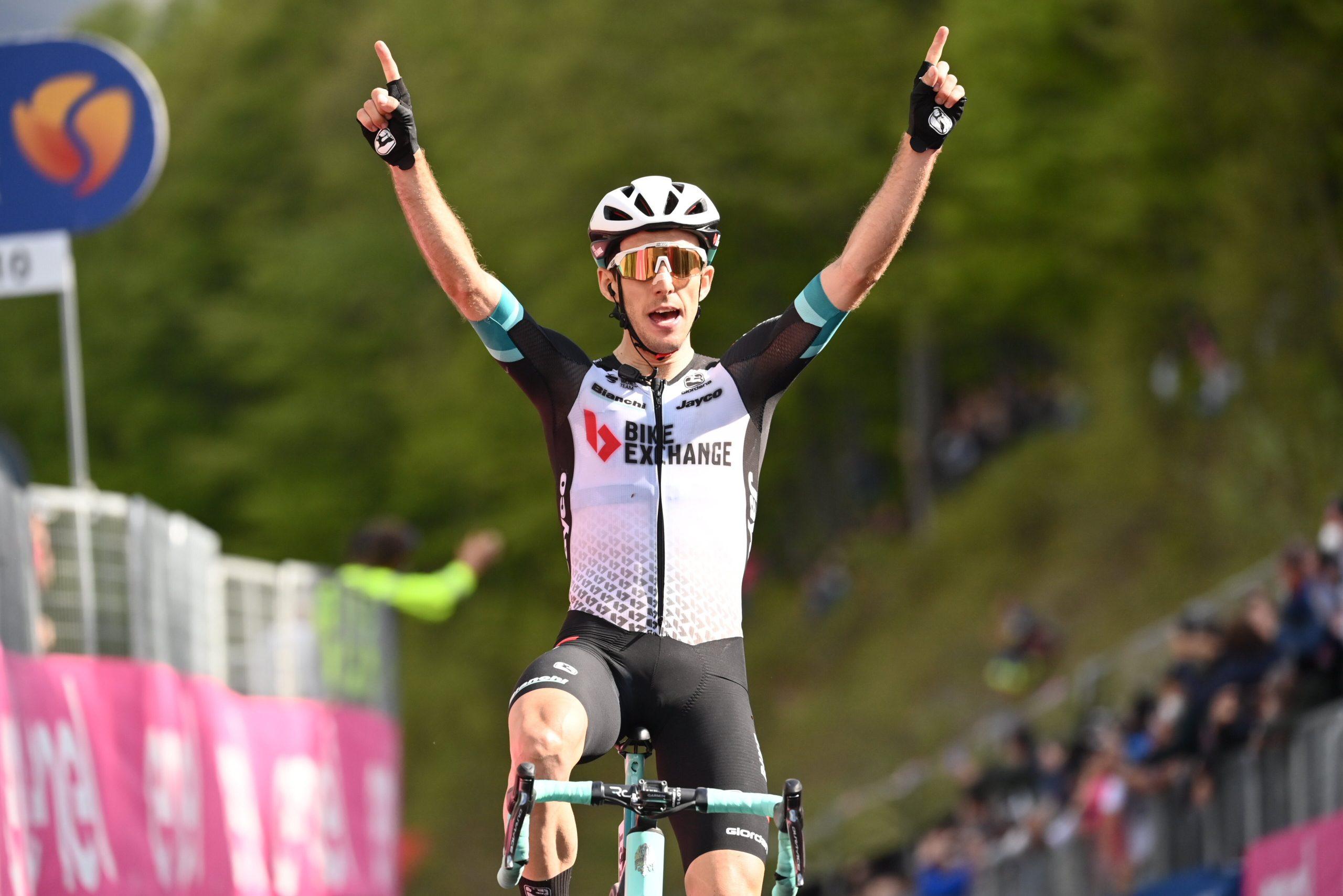 Giro 2021: Simon Yates vince la 19^ tappa