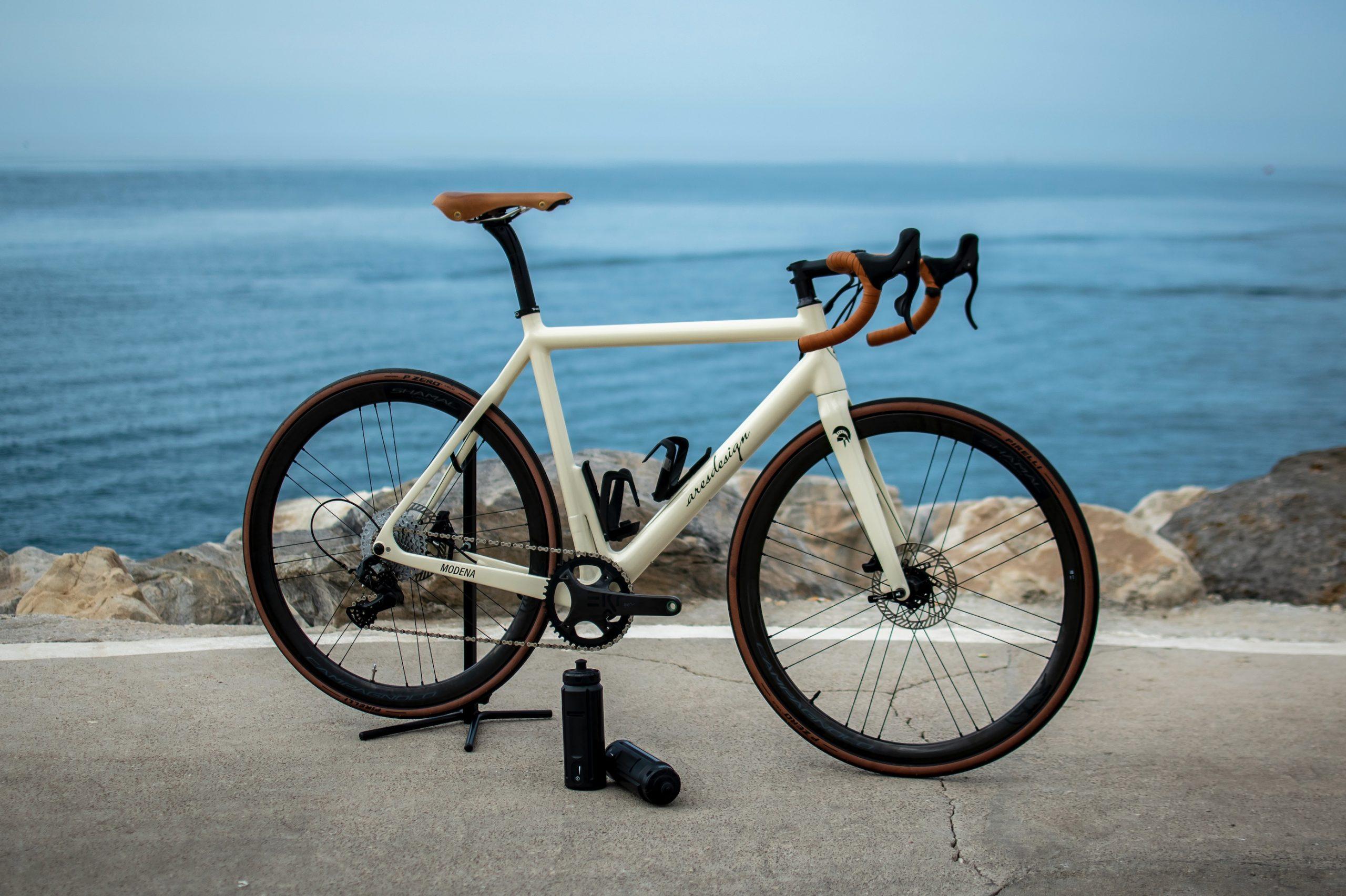 La luxury e-bike più leggera del mondo: ARES Super Leggera by HPS
